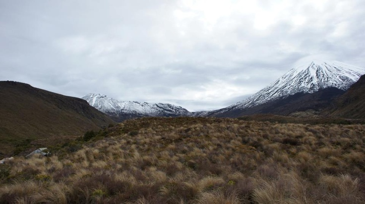 Tongariro Alpine Crossing and mt doom NZ