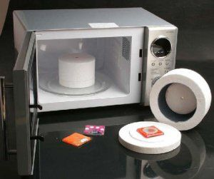 A microwave kiln for precious metal clay