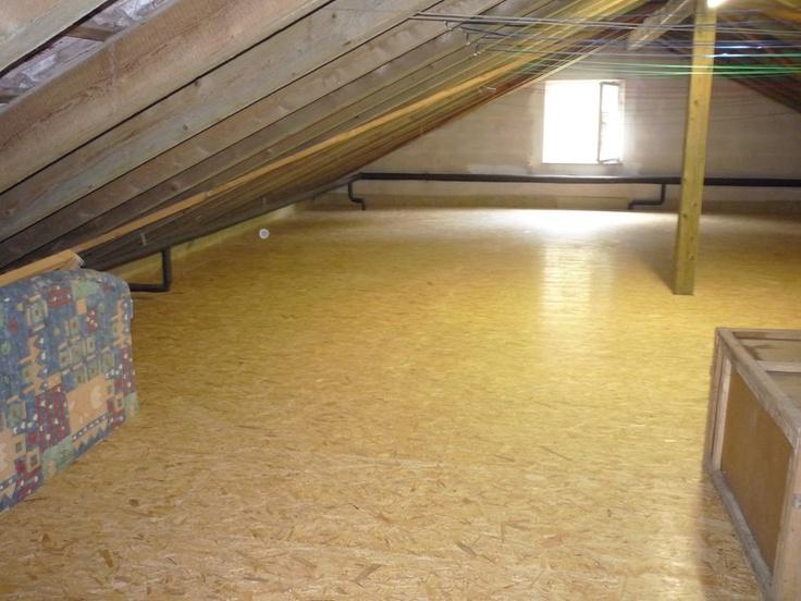Dachboden mit neu verlegten OSB Platten und Dämmung der Dachdeckerei Ahlgrimm & Reichenberger GmbH in Nagold (72202) | Dachdecker.com