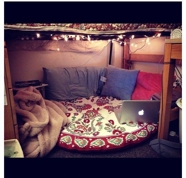 Study nook Dorm room. Belmont university.