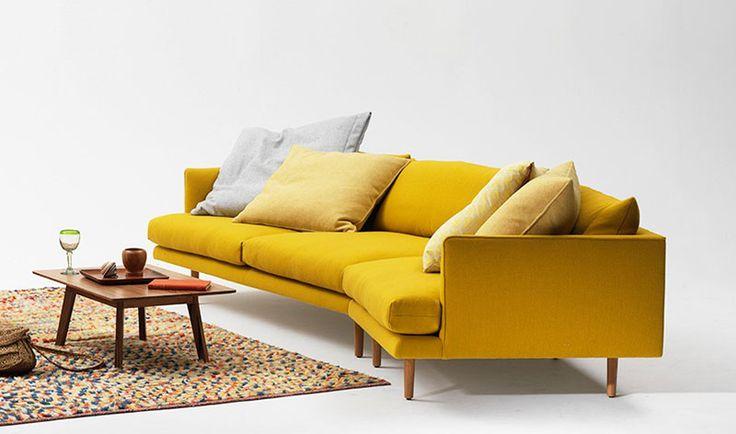 les 25 meilleures id es de la cat gorie canap jaune sur. Black Bedroom Furniture Sets. Home Design Ideas