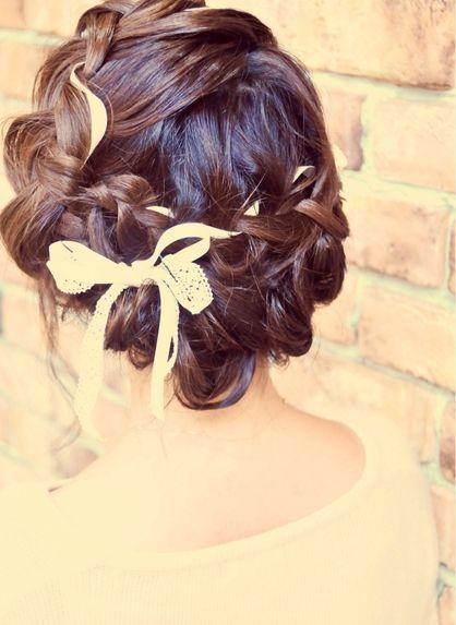 編み込みリボンアレンジ♪結婚式、2次会に♪ | 元町・石川町の美容室 ... 結婚式 二次会 ブライダルウェディングパーティーのヘアアレンジ ヘアメイク ヘアセットや着物(振袖 袴 浴衣留袖など)の着付けもお任せください。