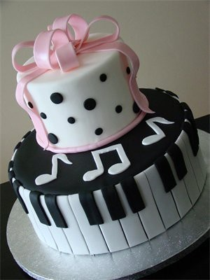#musical #cake #pink #pianokeys  #design  #beautiful #sweet #cool #delicious #rock #music