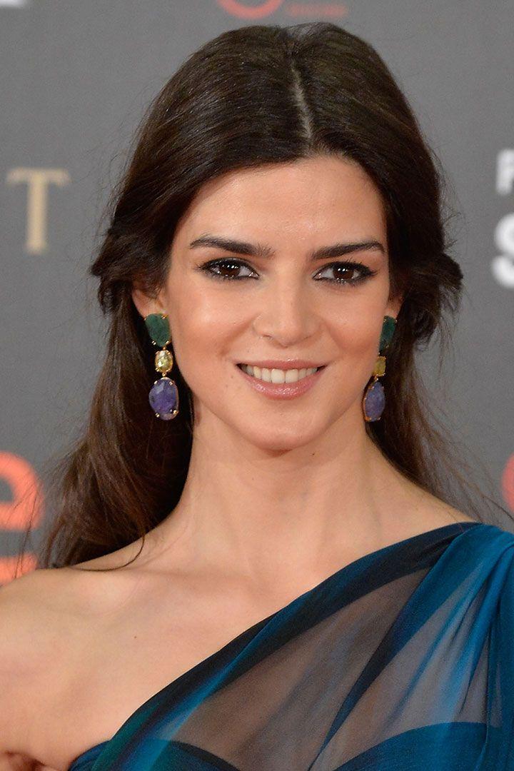 Las actrices españolas este año se rinden ante el flequillo. Pero también hemos visto ondas perfectas, labios jugosos y (con el consentimiento de la industria de la moda) un septum.