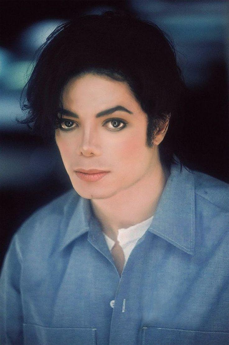 Michael Jackson on the set of TDCAU