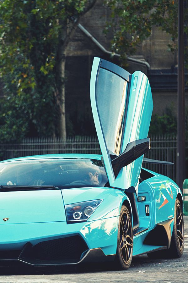 Lamborghini, omg the colors are perfect. I think I just died a little:o lol