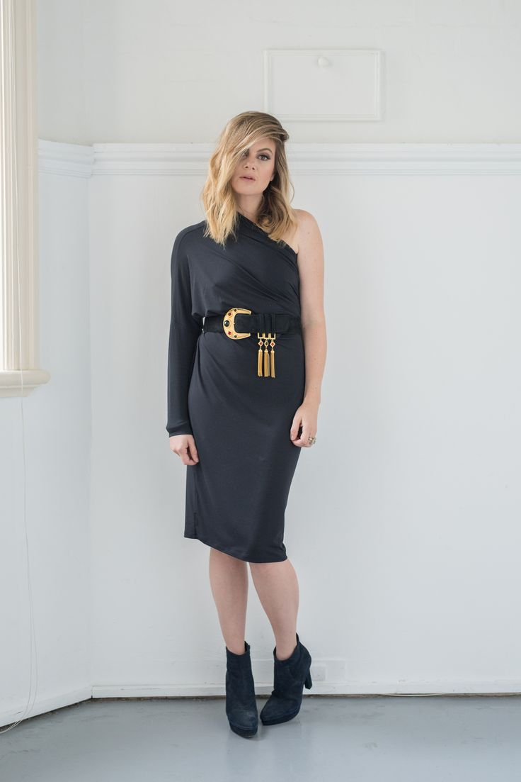 Blogger Jess Dempsey of What Would Karl Do wearing the Intimo Convertible Dress.