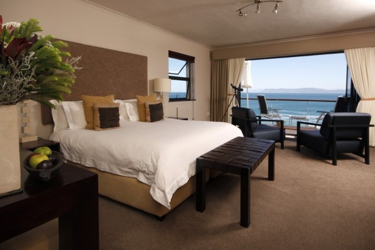 The sea front North room at Cliff Lodge, with beautiful a beautiful view over Walker Bay.
