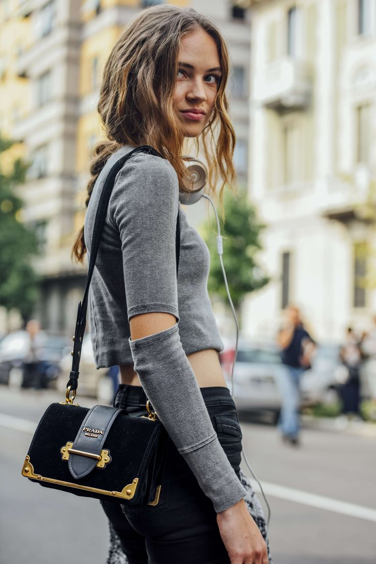 September 23, 2016  Tags Milan, Black, Prada, Jeans, Headphones, Crop Tops, Women, Grey, Model Off Duty, Models, Bags, Beats By Dre, Shirts, Cut Outs, Ribbed, 1 Person, Braids, SS17 Women's, Adrienne Juliger