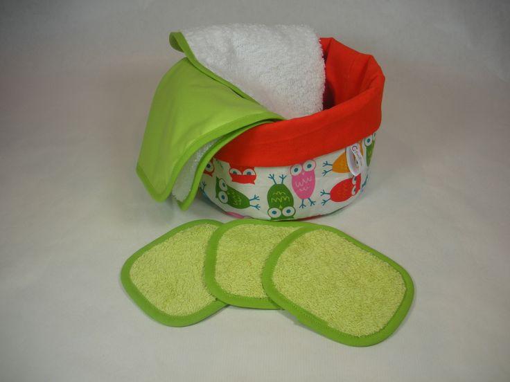 Petit panier avec serviettes à langer et lingettes lavables : Puériculture par cafoutine