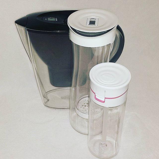Waterfilter Waterfilter. Tegenwoordig gebruiken veel mensen waterfilters om hun kraanwater schoner te maken.Waterfilters zijn enormpopulair aan het worden. Waterfilters verminderen het aantal bacteriën en kalk in het water.   #Drinkwater #Gezond #Nederland #Thee #Waterfilter