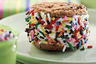 Wendi Hamel via kraftrecipes Cookie-Wiches recipe