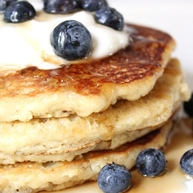 Your Healthy Brunch: Low-Carb, Gluten-Free Almond Pancakes.
