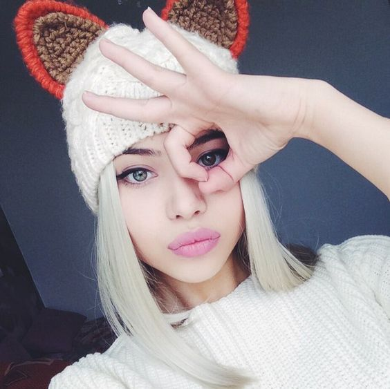 МАЗОК | 44 фотографии картины  гламурная девочка розовые губы