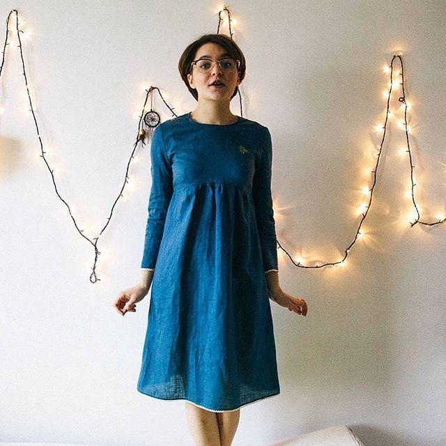 Красивый тесьма на платье