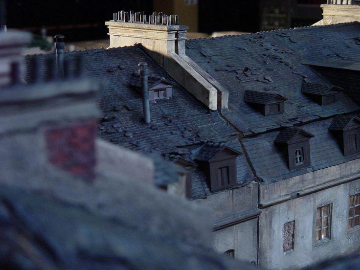 detail střechy modelu domu do filmu Parfém - příběh vraha
