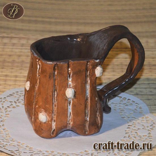 Кружка Белые горошинки лепная керамика ручной работы, глазурная полива в интернет-магазине  #рукоделец #магазин #handmade #керамика #кружка #ручная_работа #pottery #керамическая_посуда