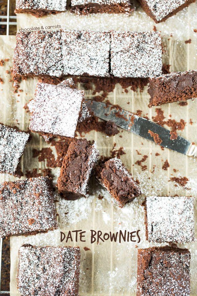 Date Brownies | chocolateandcarrots.com #vegan #nosugaradded