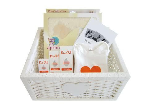 This month is pregnancy awareness month and to celebrate and educate, Bio Oil are giving away this lovely hamper including a Clevamama towel, cotton baby-grow, Tips for Moms booklet and three bottles of Bio-Oil value R750.