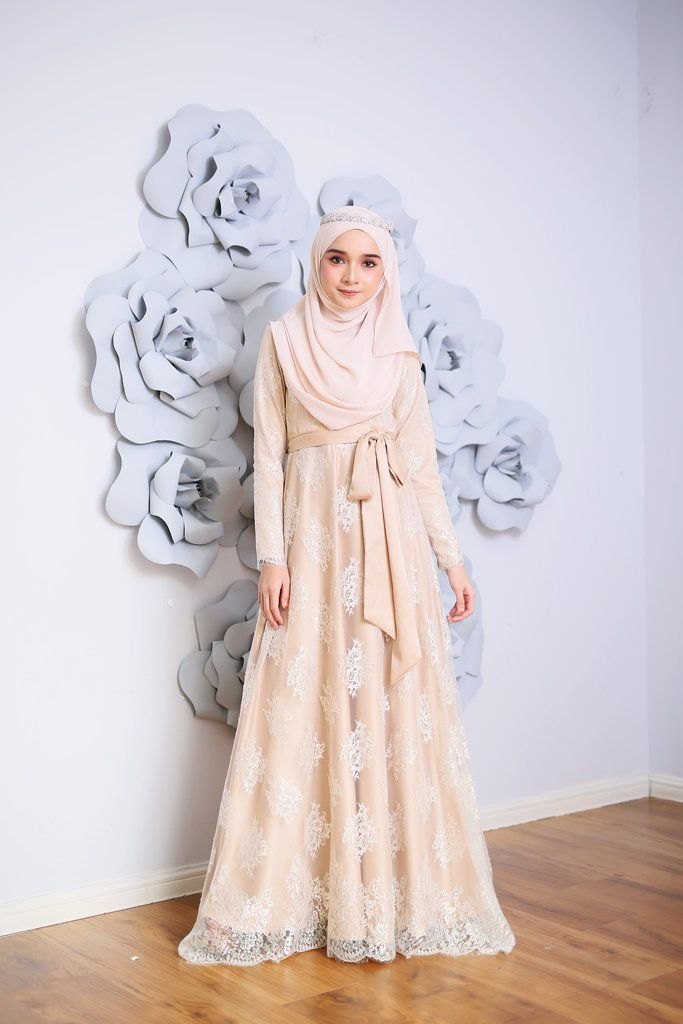 - Material: Exclusive French Lace with full lining Fernando Satin - Detachable belt -Wudu' friendly -Dry cleaning andwarm iron only - Wash dark colours se