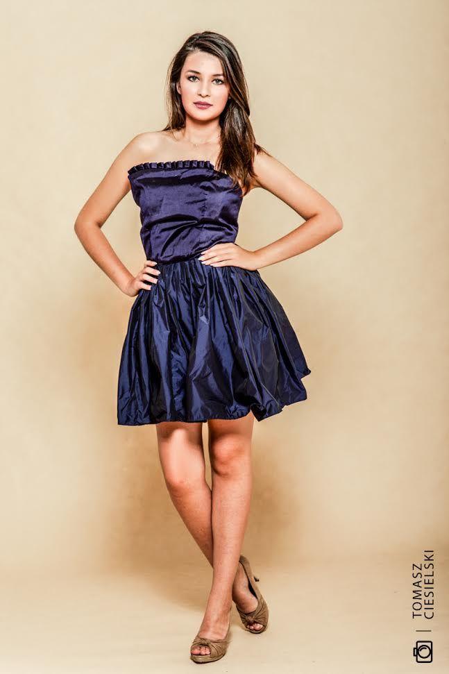 designer  dress Gabriela Hezner  fot. Tomasz Ciesielski  navy blue dress  / gabrielahez6@gmail.com