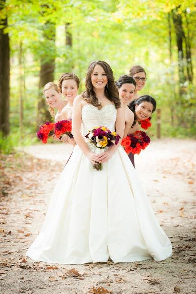 Bridal Guide: 50 Must-Have Photos With Your Bridesmaids. #Wedding #Bridesmaid