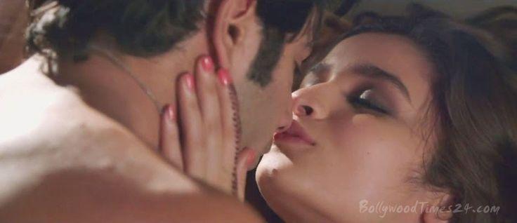 Alia Bhatt Kiss Photo