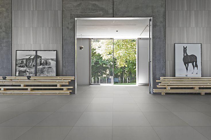 Prachtige vloer bestaande uit 50 tinten grijze uni-tegels 60x60. Er is ook een witte variant: 50 tinten witte uni-tegels (12-EA) Tegelhuys