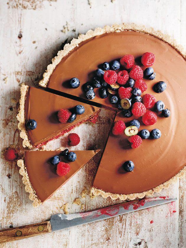 raw choc-hazelnut raspberry tart