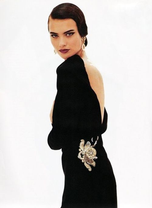Shalom Harlow wearing Christian Dior by Gianfranco Ferrè Haute Couture F/W 91.92