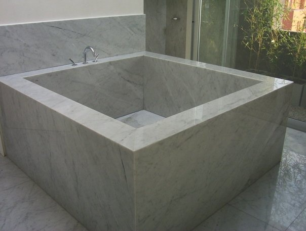 Casa Chocolate. Bañera en baño principal.  Barrionuevo Sierchuk arquitectas