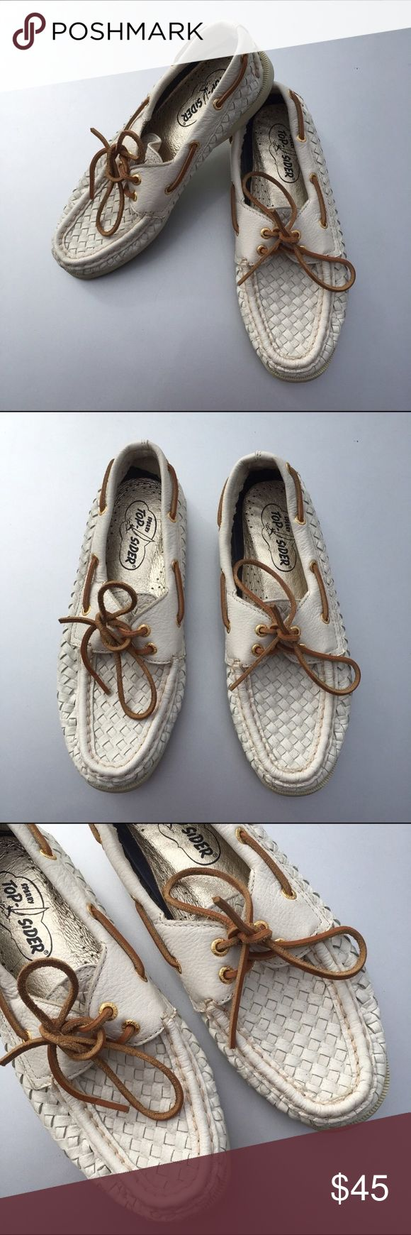 Sperry TopSider basket weave Boat Shoes size 7.5 Adorable Sperry TopSiders! Size 7.5. White/off-white Colour and have a basket weave pattern! Overall good used condition!! Show some wear. Some dirt on sides and bottoms. Backs have been stepped on a little, and the have little folds/creases. Sperry Shoes Flats & Loafers