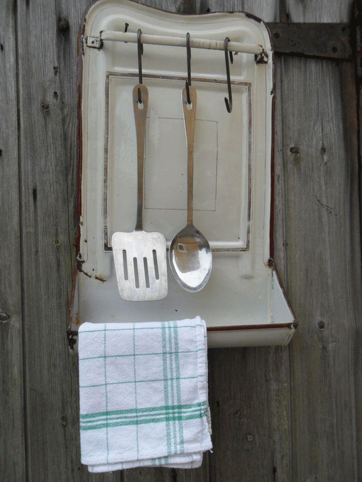 Enamel utensil rack #french #shabby #brocante #enamel #graniteware #kitchen