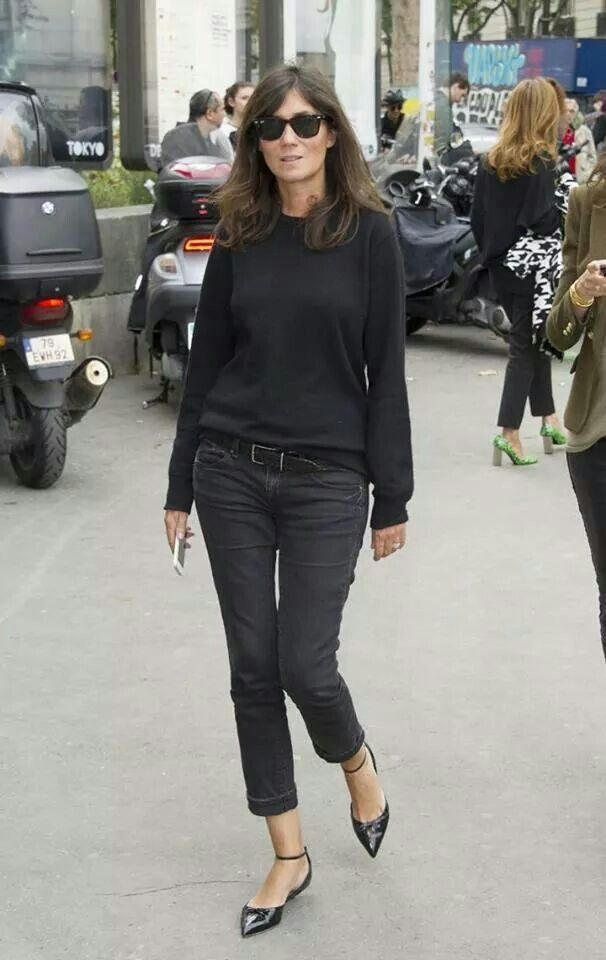 Emmanuelle Alt sure does make all black look interesting and chic...I need those flats.