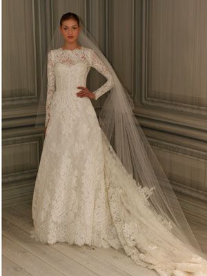 If my mother had her way I would have a winter wedding, if that were to happen this dress would be perfect