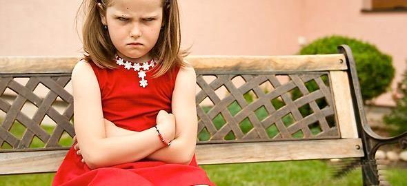 Ακολουθώντας αποκλειστικά τις συμβουλές παιδοψυχολόγων, μια μαμά περιγράφει πώς -σε διάστημα μίας εβδομάδας- κατάφερε να βελτιώσει σημαντικά την κακή συμπεριφορά των παιδιών της.