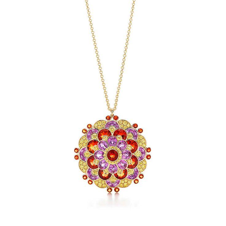 Pendente in oro 18k con zaffiri rosa, opali di fuoco e diamanti gialli. | Tiffany & Co.