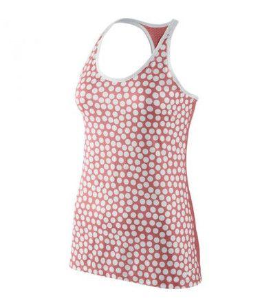 Tank tops zijn ook bedoeld om onder je t-shirts of pullover te dragen, bij iets koudere dagen. Maar in de zomer worden ze ook gebruikt om gewoon over straat te lopen.