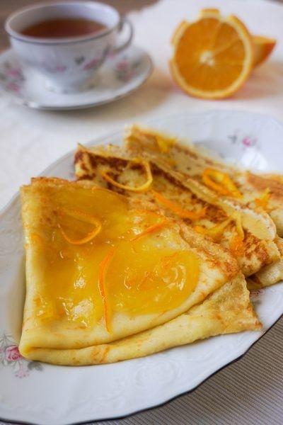 """Эти ароматные французские блинчики с апельсиновым соусом очень ароматные и сочные. После приготовления перед подачей их можно фламбировать, а можно просто полить соусом. Рецепт я брала в журнале """"Савер"""". А отправляю его к Маше sweetblog на ФМ """"Где блины, тут и мы"""" . Ингредиенты : для блинов: 250 мл…"""