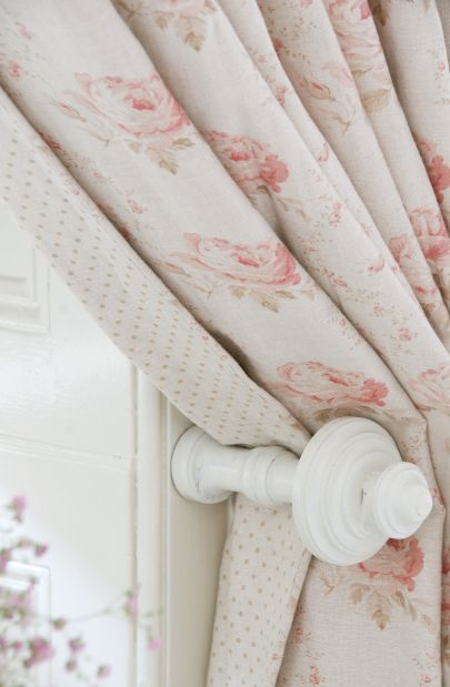 Georgian Roses in Chalky Pink by Peony and Sage