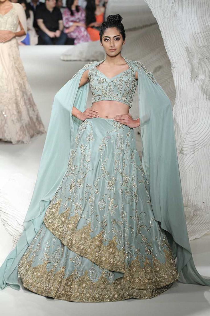 811 best indian dresses images on Pinterest | Indian gowns, India ...