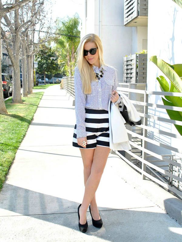 What To Wear With Black And White Shorts