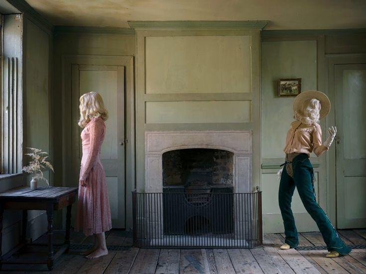 Anja Niemi ha fatto il cost to cost degli States vestita da cowgirl per realizzare la sua ultima serie di spettacolari fotografie
