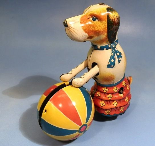 Online veilinghuis Catawiki: Blikken speelgoed - Paya, Spanje - Lopende hond met bal met uurwerkmotor, 1989