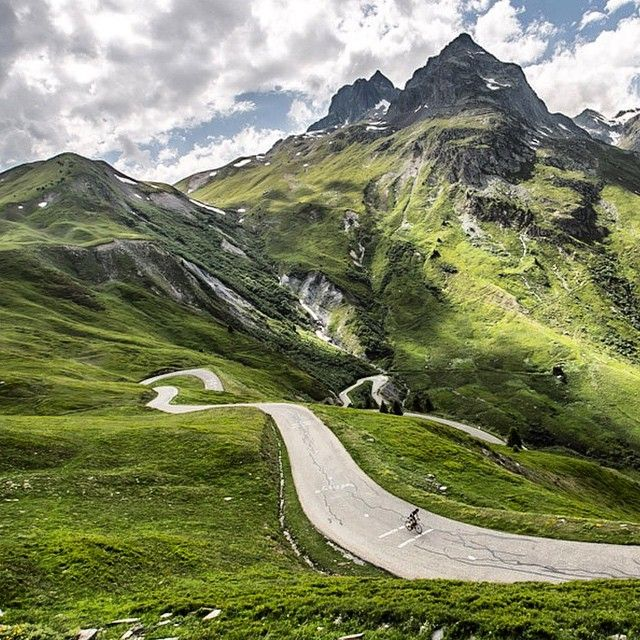 #LL @LUFELIVE #thepursuitofprogression - Pedal It Out - Col du Glandon