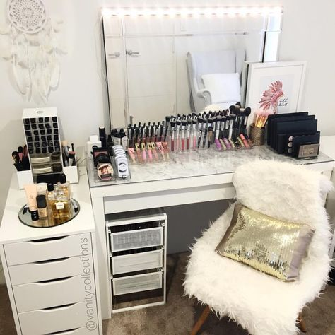 17 best ideas about vanity lights ikea on pinterest plug in vanity lights diy makeup vanity. Black Bedroom Furniture Sets. Home Design Ideas