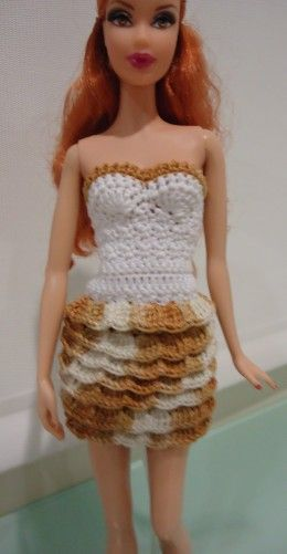 This is another outfit I made for Barbie. The pattern here is found in Crochet for Barbie.