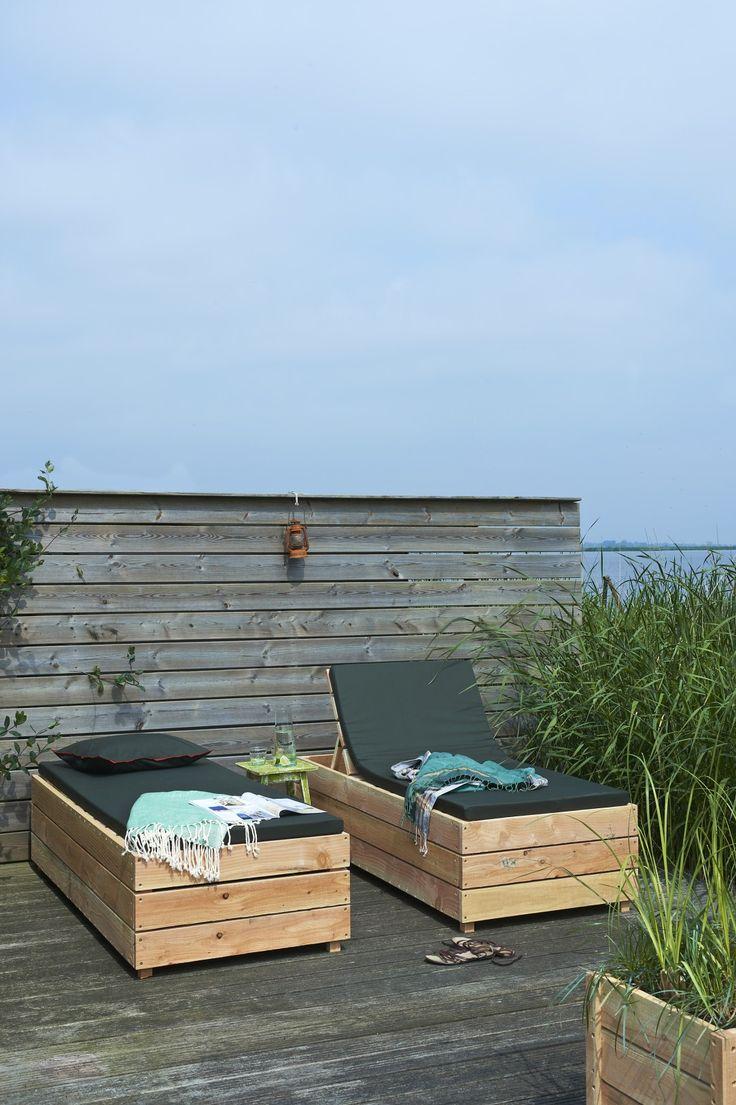 DIY Des chaises longues avec des palettes. (Lounge-bed maken) (http://www.vtwonen.nl/diy/lounge-bed-maken-van-hout/a)