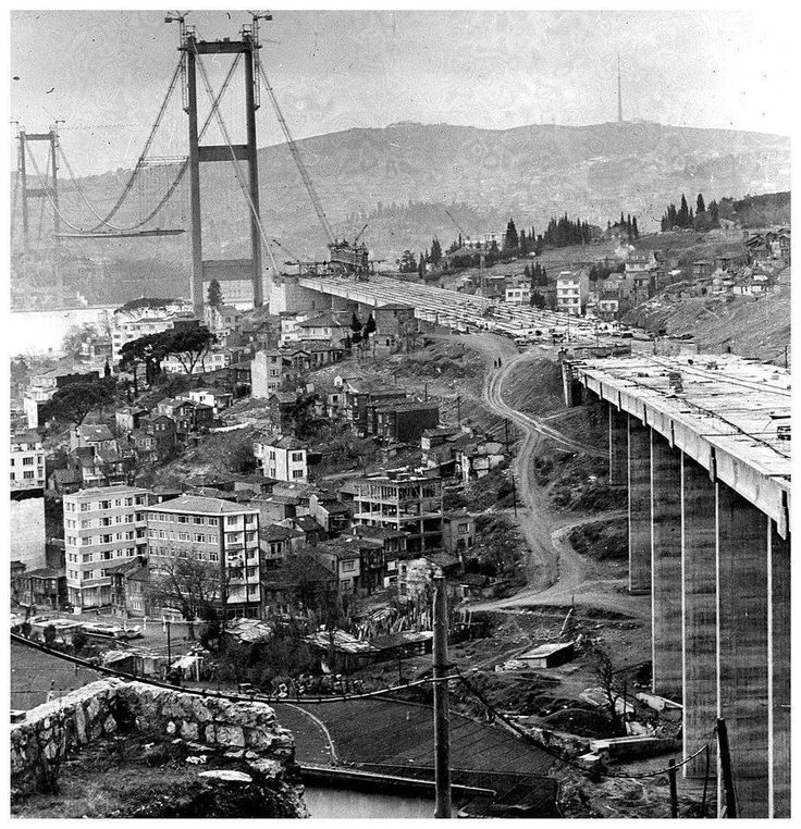 building the Bosphorus (First) Bridge