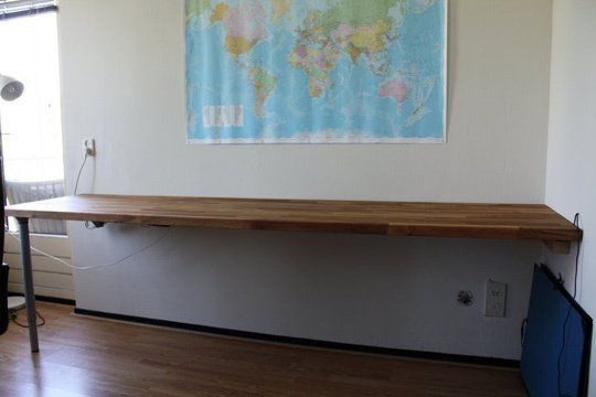 We've recently asked you how big or short your home desk was, the one you use to work on your computer, but for some people, small desks just don't work. Also, a lot of larger desks tend to be very wide, which makes it hard to find a suitable place for them in your home. Thankfully, you can easily hack some IKEA furniture to make a giant desk that has a small footprint.